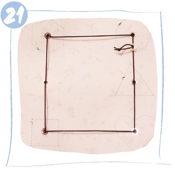L'Atelier de Béryl - Tutoriels pour Quiet Books - Blog - Page formes géométriques - étape 21 - montage élastique