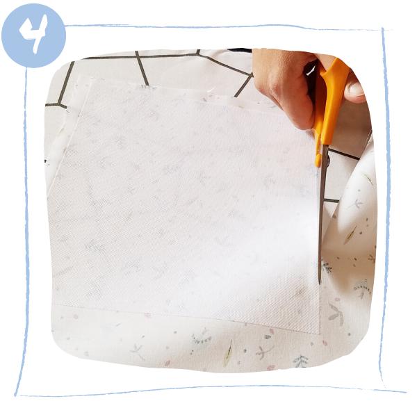 L'Atelier de Béryl - Tutoriels pour Quiet Books - Blog - Page formes géométriques - étape 4 - découpe du fond
