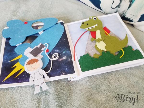 L'Atelier de Béryl - Quiet Book - livre activités feutrine (Fusée et Dino)