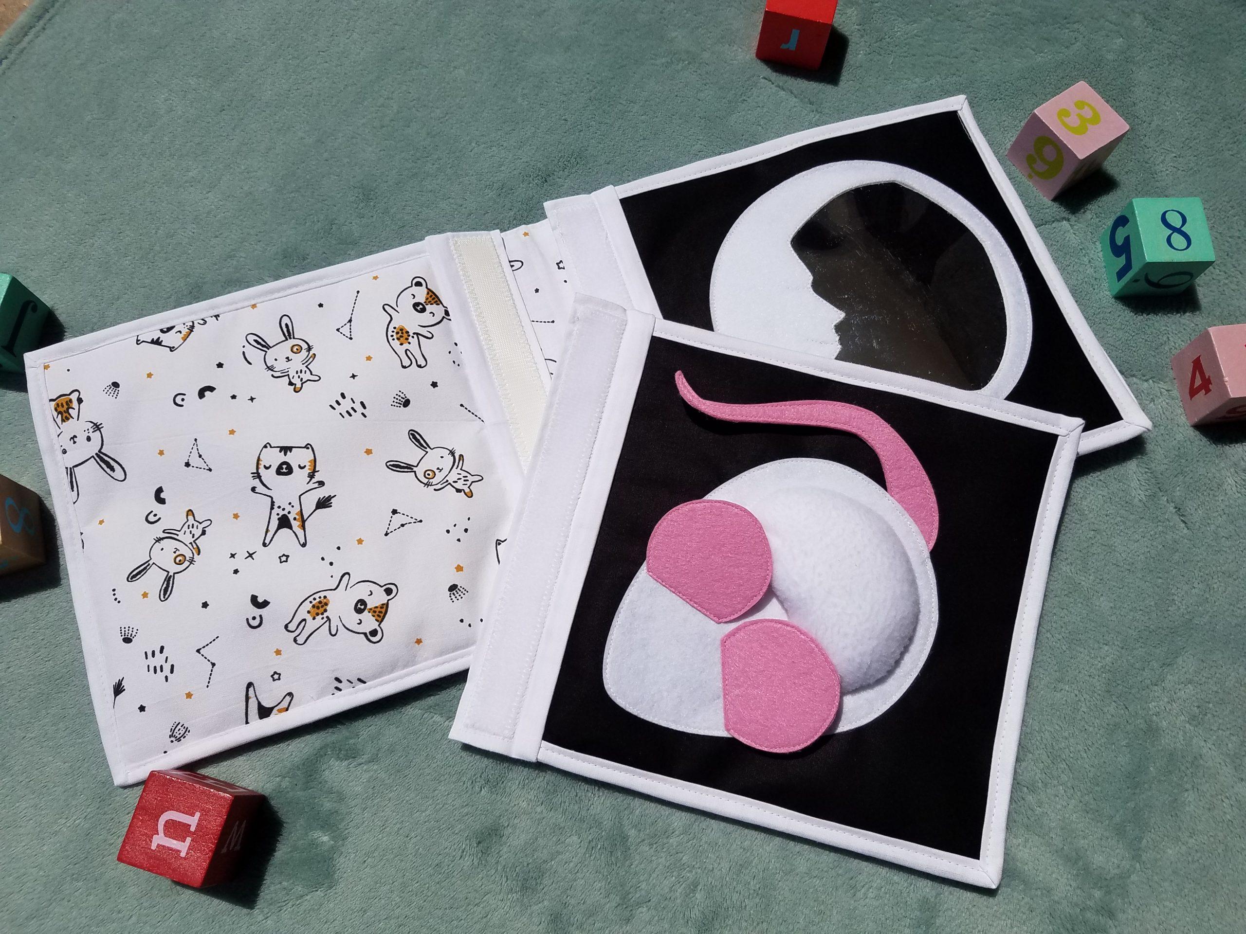 L'Atelier de Beryl - Doudou Livre - livre bébé - Page BB Souris et Lune - widget fidget