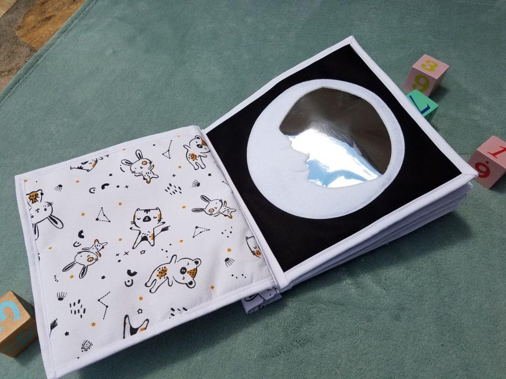 L'Atelier de Beryl - Quiet book - livre bébé - Page BB Lune - livre calme - miroir